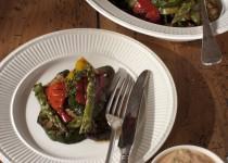 Grilovaná středozemní zelenina s koktejlovou omáčkou