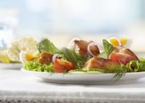 Marinovaný losos na salátovém lůžku
