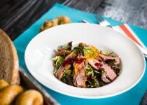 Salát s kachním prsíčkem